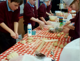We can offer workshops for children and young people tailored to suit all abilities.   Our workshops vary and can be linked up with the curriculum or a particular theme.  We can also offer after school cooking clubs.  Our practical and fun sessions teach children and young people safe kitchen techniques, hygiene and cooking skills.